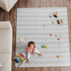 Gray play mat by Regalo photo