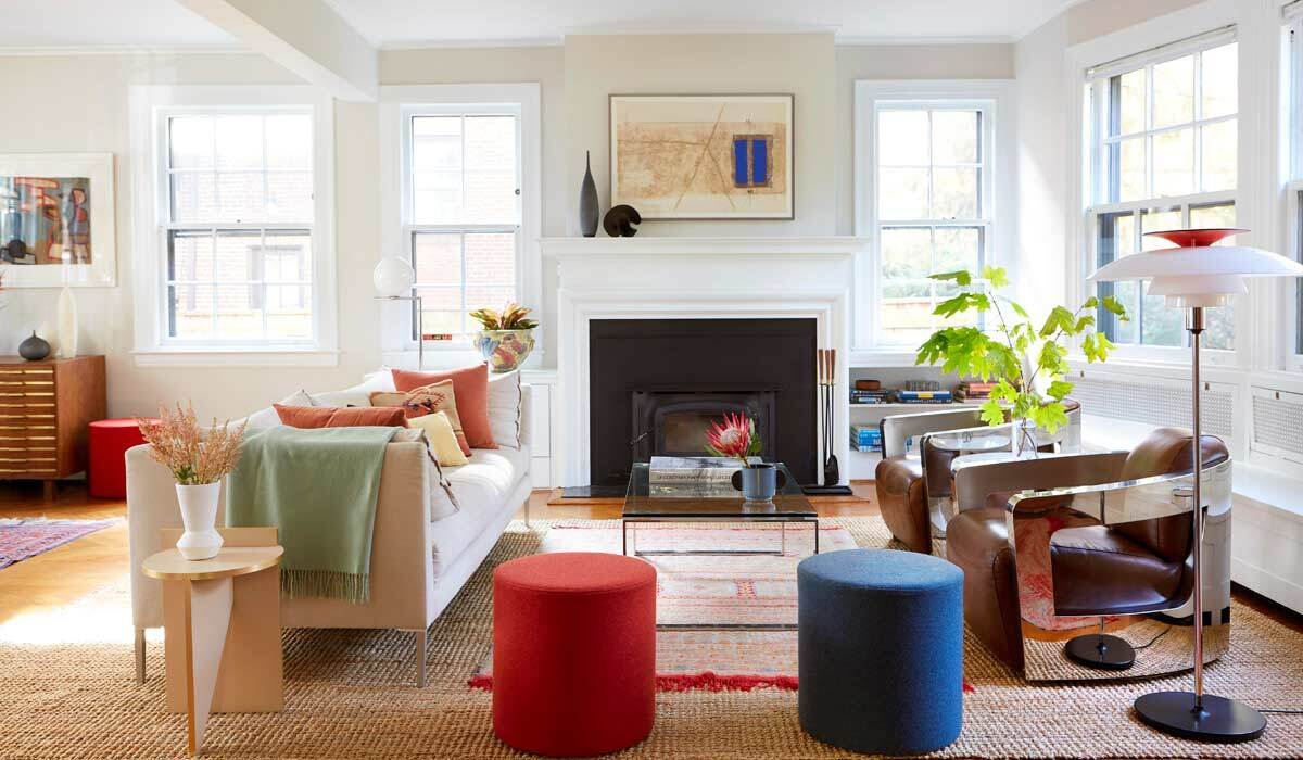A colorful living room with reds and blues photo