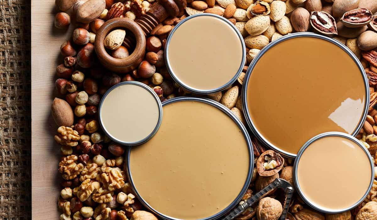 Paint lids with nut brown hues photo