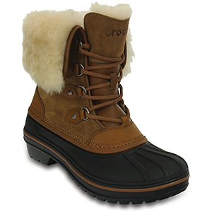 Brown faux fur-lined winter boots from Crocs photo