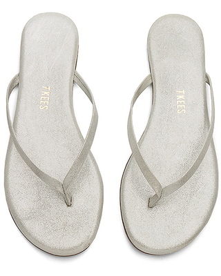 TKEES Sandal in Metallic Silver. - size 6 (also in 10,5,7,8,9)