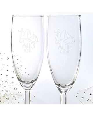 Engraved Personalized Pair of Mr and Mrs Champagne Glass Wedding Couple Gift