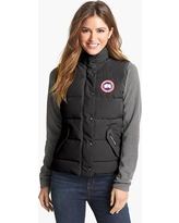 Women's Canada Goose 'Freestyle' Slim Fit Down Vest, Size X-Small (0) - Black