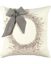 Eastern Accents Dreaming of a White Christmas Wintry Wreath Throw Pillow ATE-328
