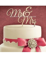 aMonogramArtUnlimited Mr and Mrs Wooden Cake Topper 94102P
