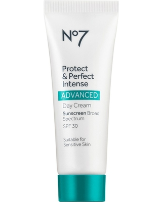 Sweet Savings on No7 Protect and Perfect Intense Advanced