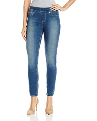 e9d86f38bb976 AMAZON. Signature by Levi Strauss   Co Women s Totally Shaping Pull On  Skinny Jeans