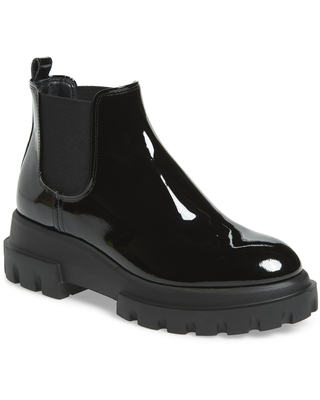 Women's Agl Lugged Sole Chelsea Boot, Size 5.5US - Black