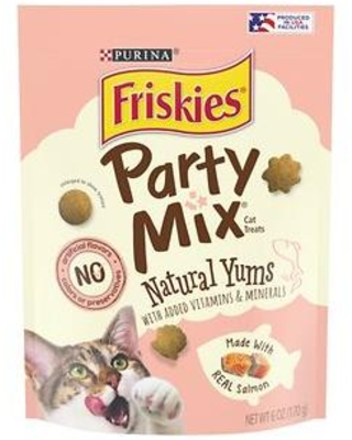 Friskies Party Mix Natural Yums With Real Salmon Cat Treats, 6-oz pouch
