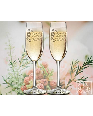 Champagne flutes, Hawaii, Champagne glasses, Hawaiian wedding, Wedding toasting glasses, Toasting glasses, Personalized Champagne flutes, Mr. and Mrs. flutes, destination wedding
