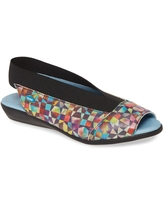 CLOUD Caliber Slingback Sandal, Size 5Us in Mystere Leather at Nordstrom