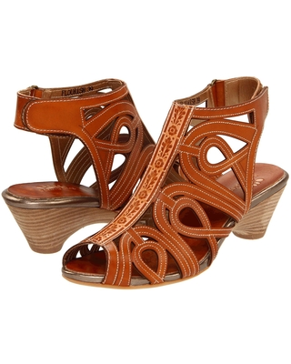 L'Artiste by Spring Step Flourish (Natural Leather) Women's Sandals