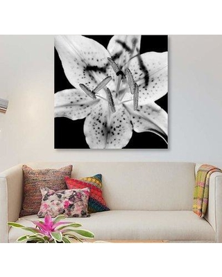 """East Urban Home 'Close Up of Lily Flower' Graphic Art Print on Canvas EBHT2277 Size: 12"""" H x 12"""" W x 1.5"""" D"""