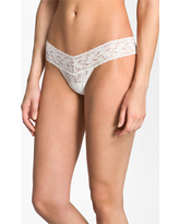 Women's Hanky Panky Signature Lace Low Rise Thong, Size One Size - White