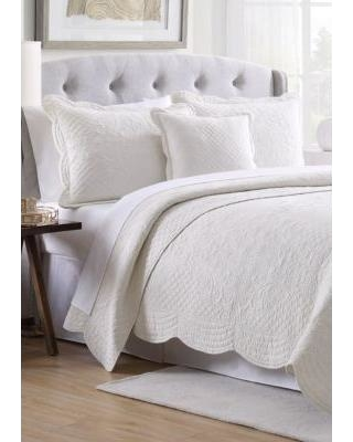 Modern. Southern. Home.™ Ivory Scalloped Tiles Quilt