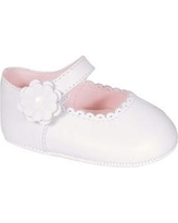 Crown & Ivy™ White Baby Girls White Scallop Mary Jane Shoes