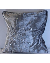 Everly Quinn Kinsey Star Burst Velvet Throw Pillow EYQN7327