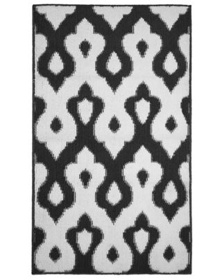Caravello 2-Foot 4-Inch x 4-Foot Accent Rug in Grey/White