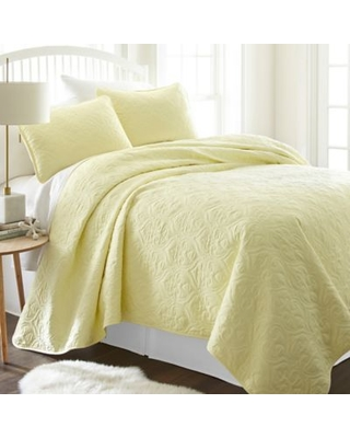 Damask Twin/Twin XL Quilt Set in Yellow