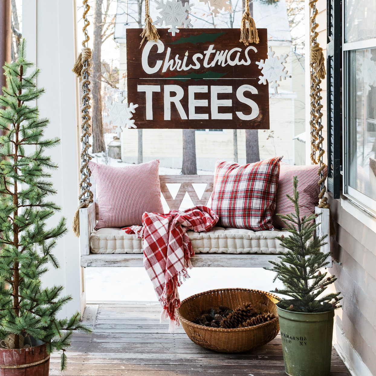 Deck Your Halls $10,000 Sweepstakes