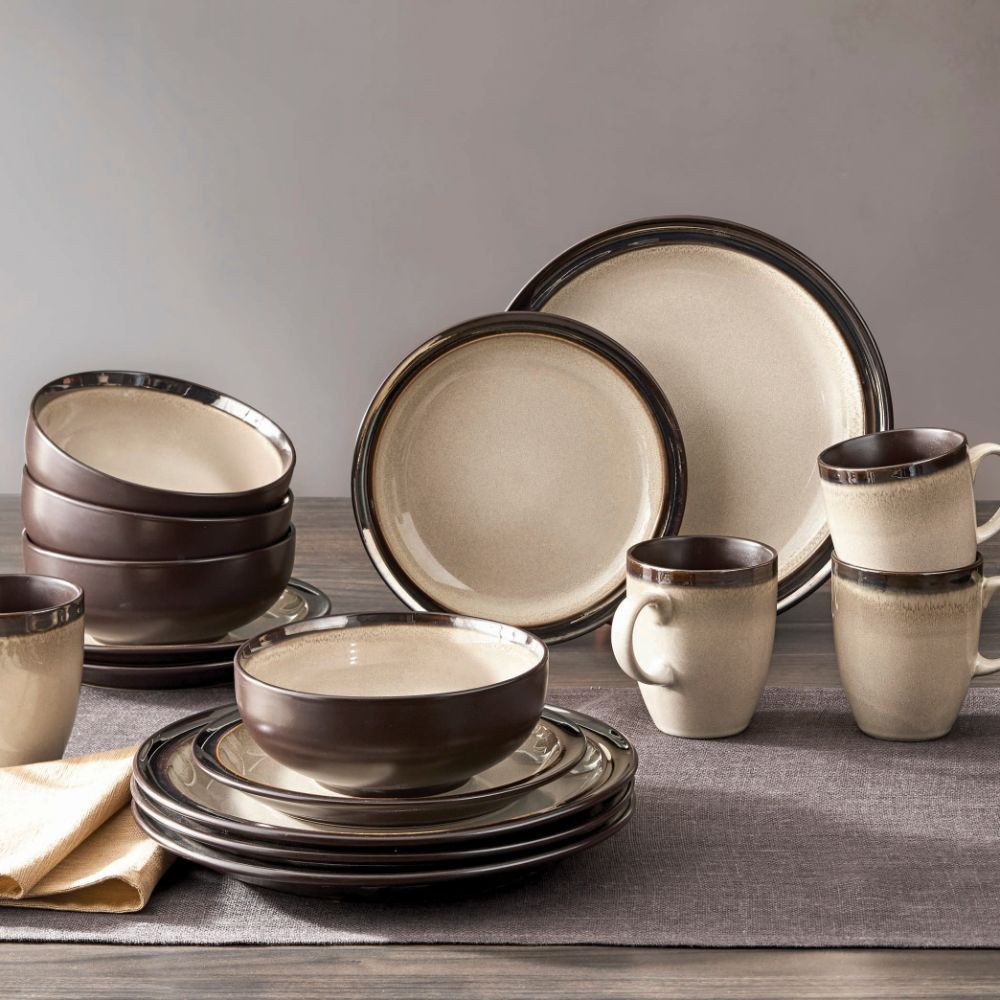 BH&G Dinnerware Set
