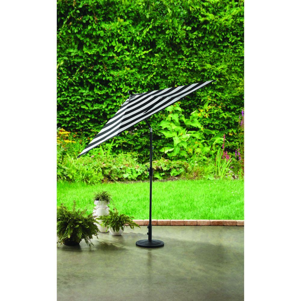 BH&G Patio Umbrella