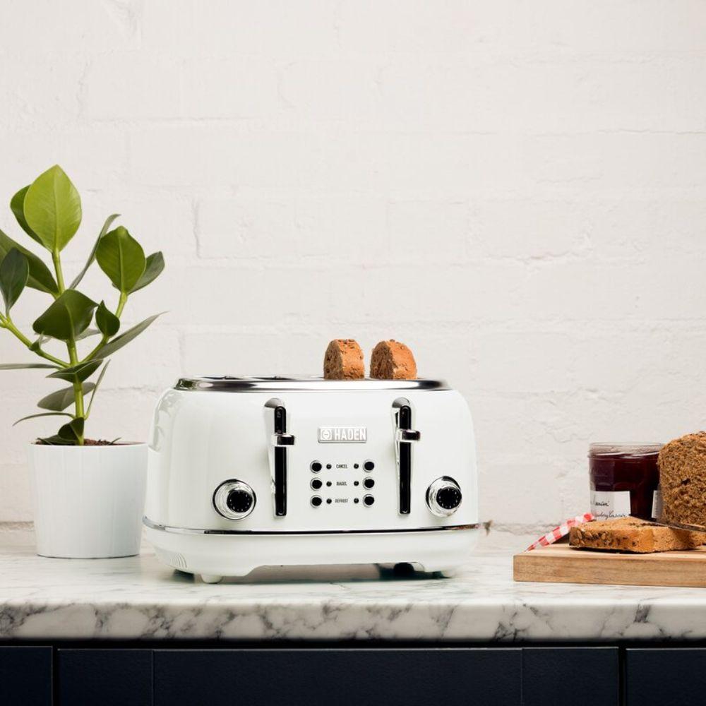 Wide Slot 4-Slice Toaster
