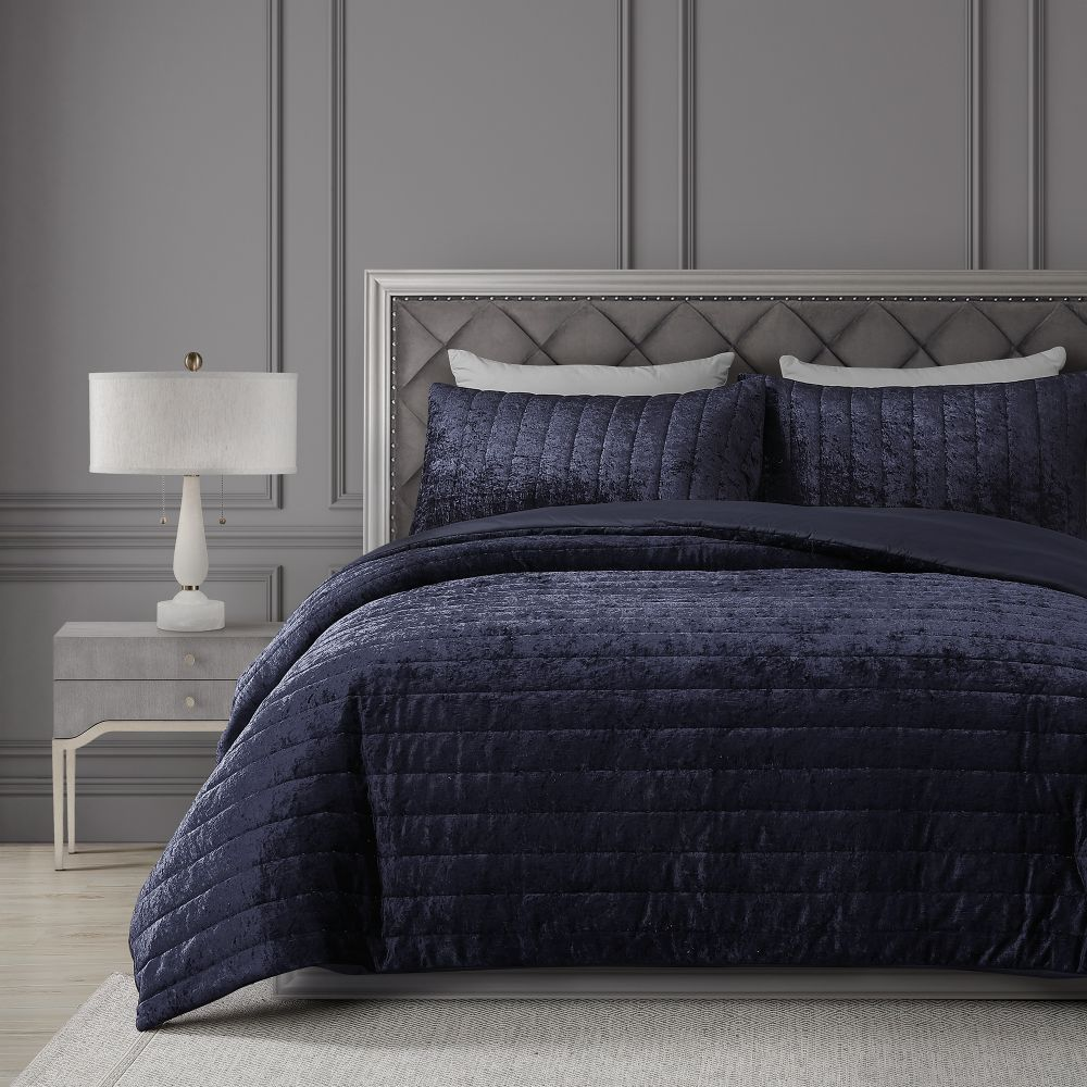 BH&G Comforter Set
