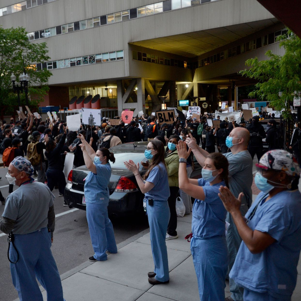 nurses-treat-injuries-black-lives-matter-protesters.jpg