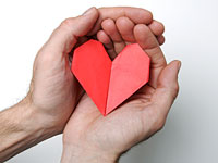 paper-heart-in-hands
