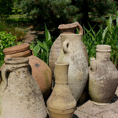 outdoor-pottery-fun-planters