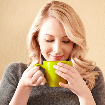 tea-time-green-woman