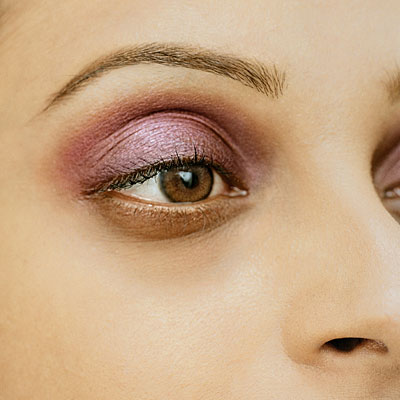 pink-eye-shadow