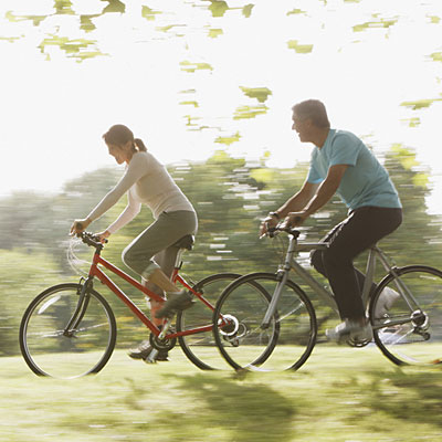 cycle-together-couple