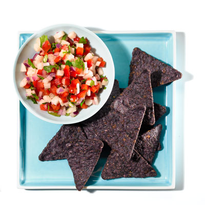 jicama-salsa-blue-corn-chips