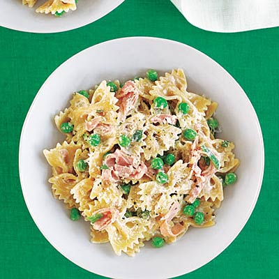 Pasta with Peas, Ham, and Parmesan Cheese