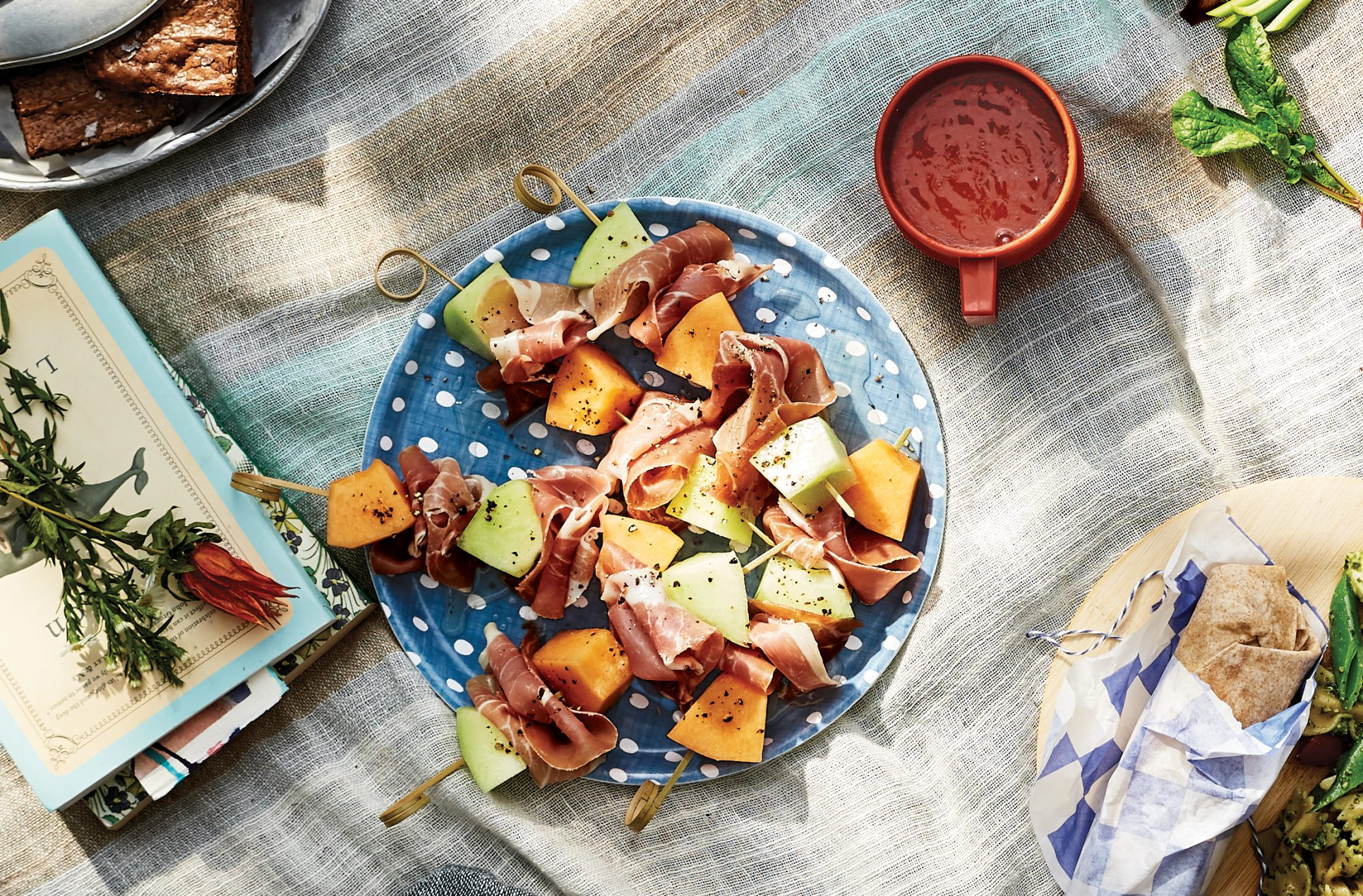 melon-prosciutto-skewer-picnic-recipes