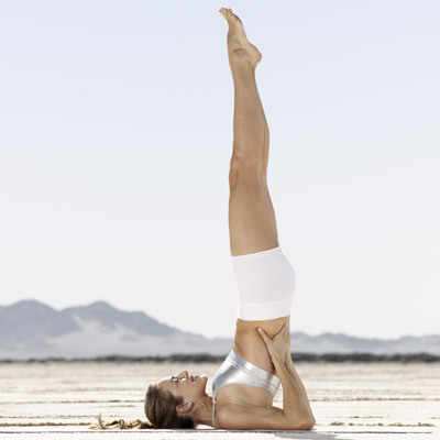 yoga-cellulite-shoulder-stand