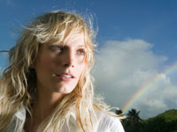woman-rainbow-side