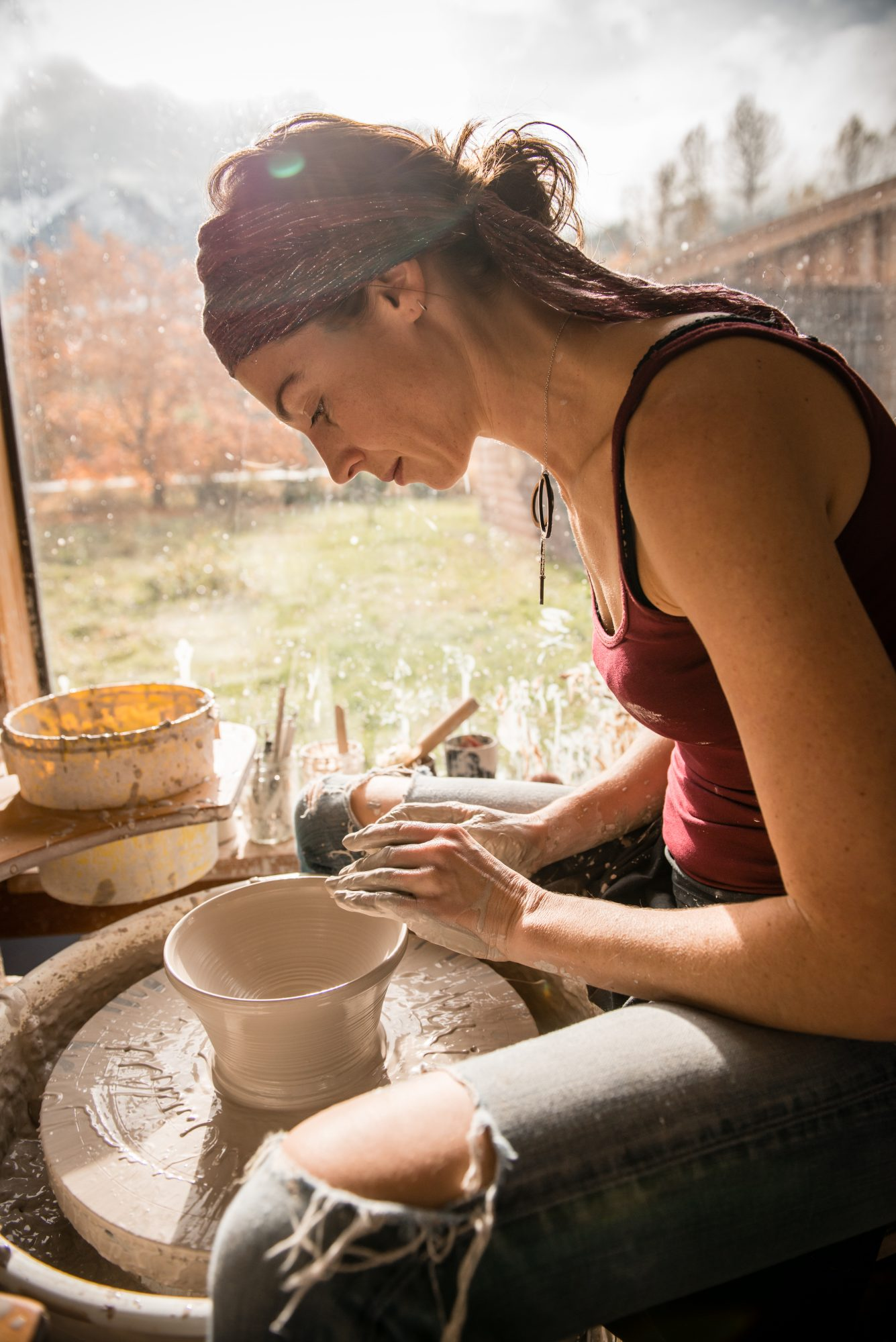 art-therapy-pottery-clay