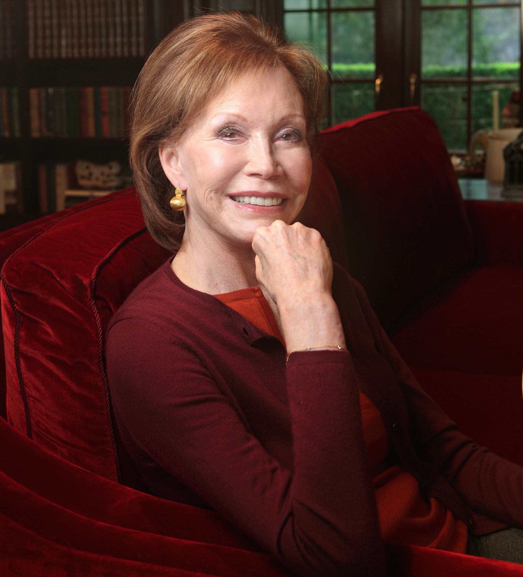 Legendary Actress Mary Tyler Moore Dies at 80