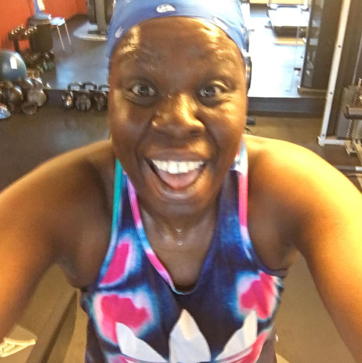 Leslie Jones Gets Sweaty in the Gym as She Keeps Up Her 40-Lb. Weight Loss: 'Arms Arms Arms!'