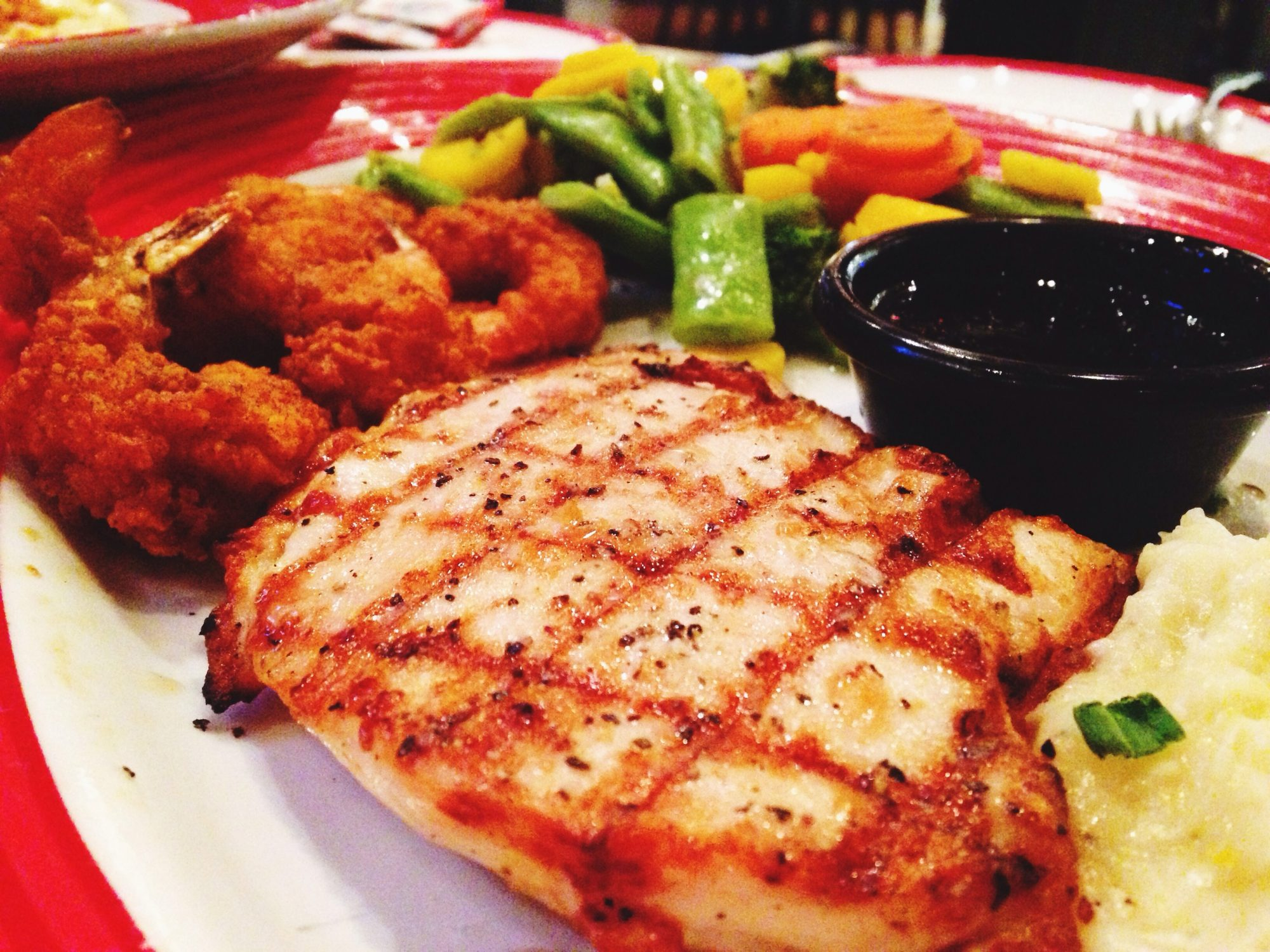 chicken-dinner-24-things-you-should-never-eat-out