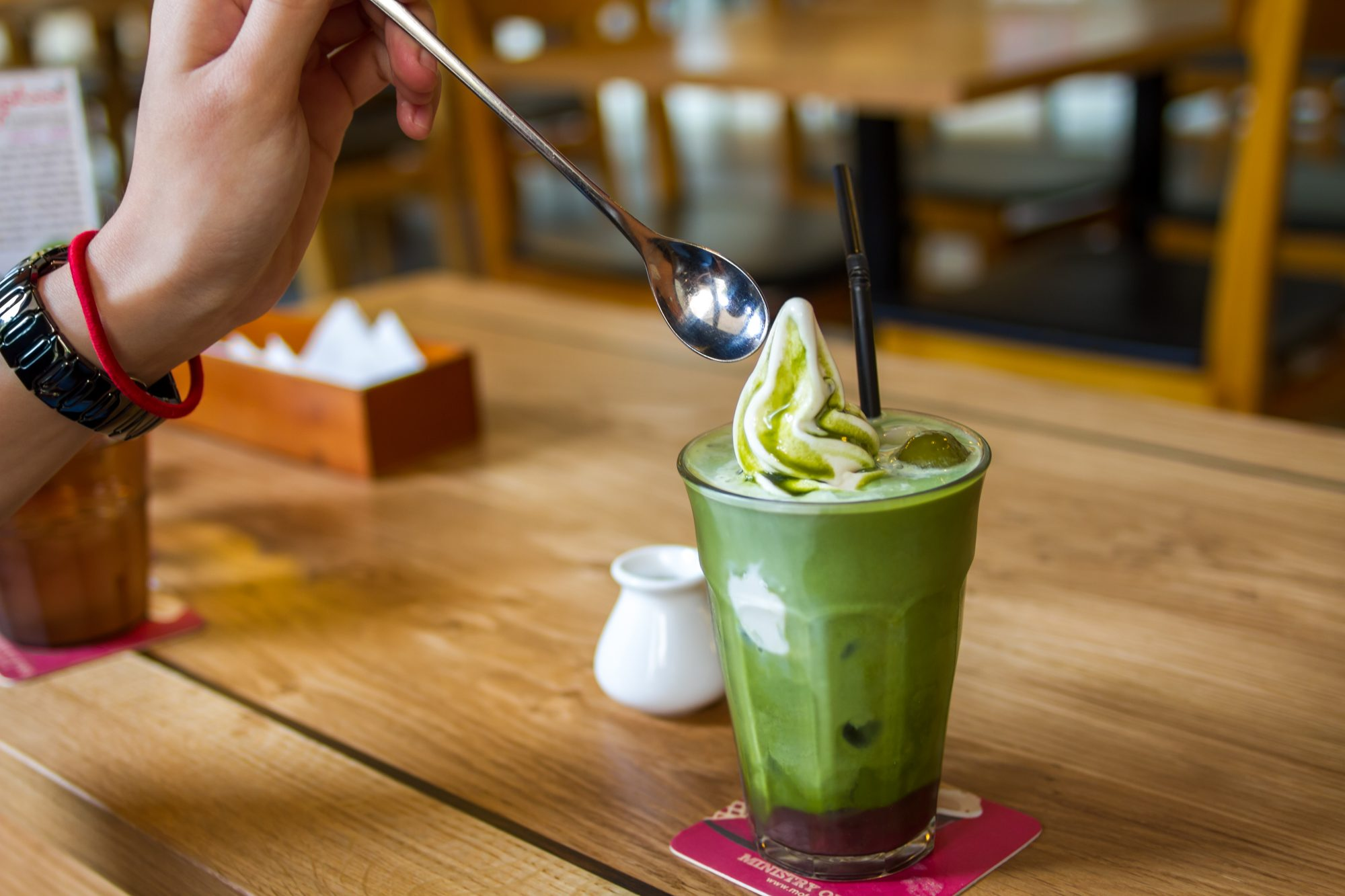 green-smoothie-24-things-you-should-never-eat-out