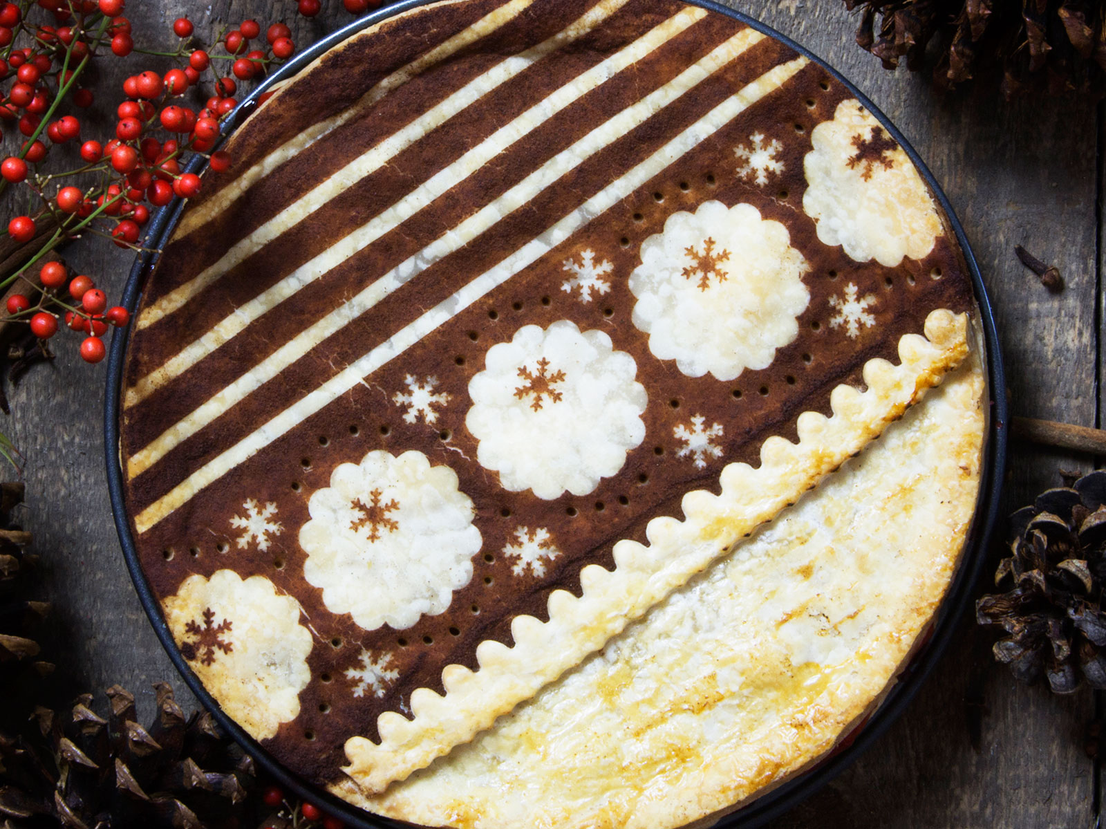 Cinnamon Stencil Xmas Sweater Pie