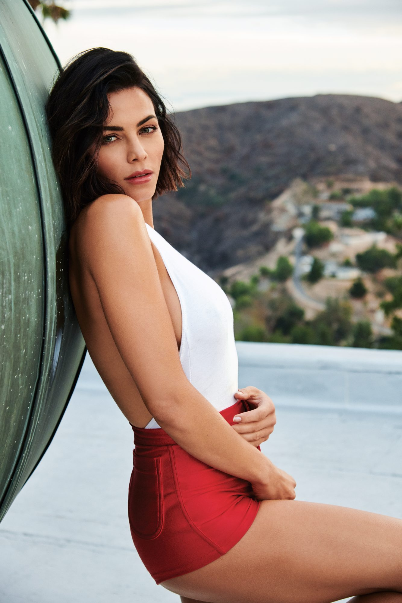 jenna dewan tatum march cover side view red high waisted shorts