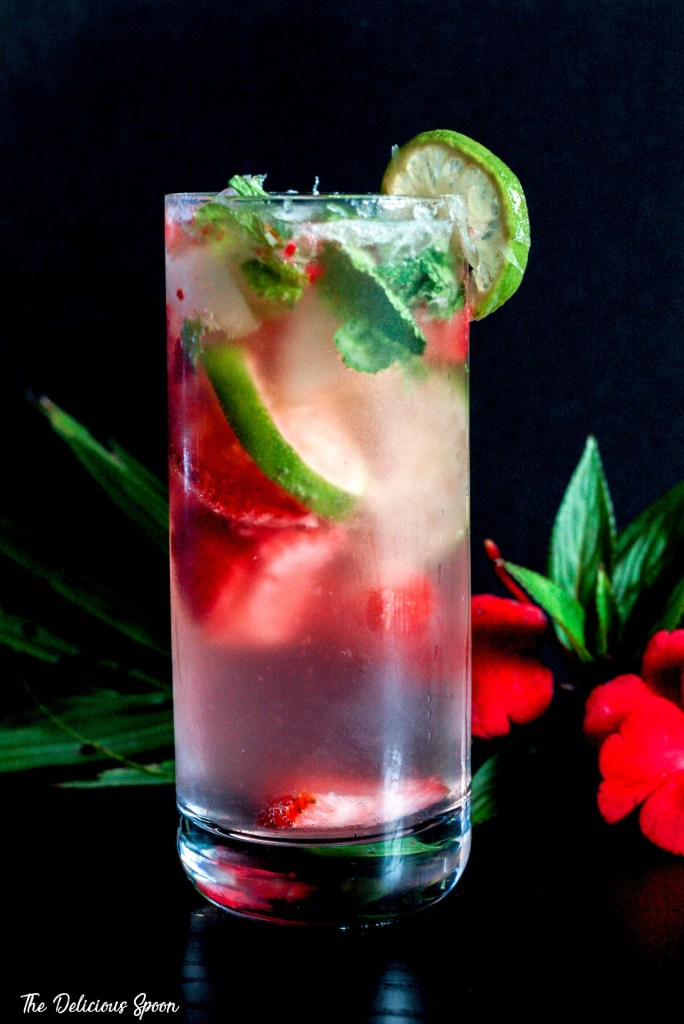 low-cal-cocktails-strawberry-mojito