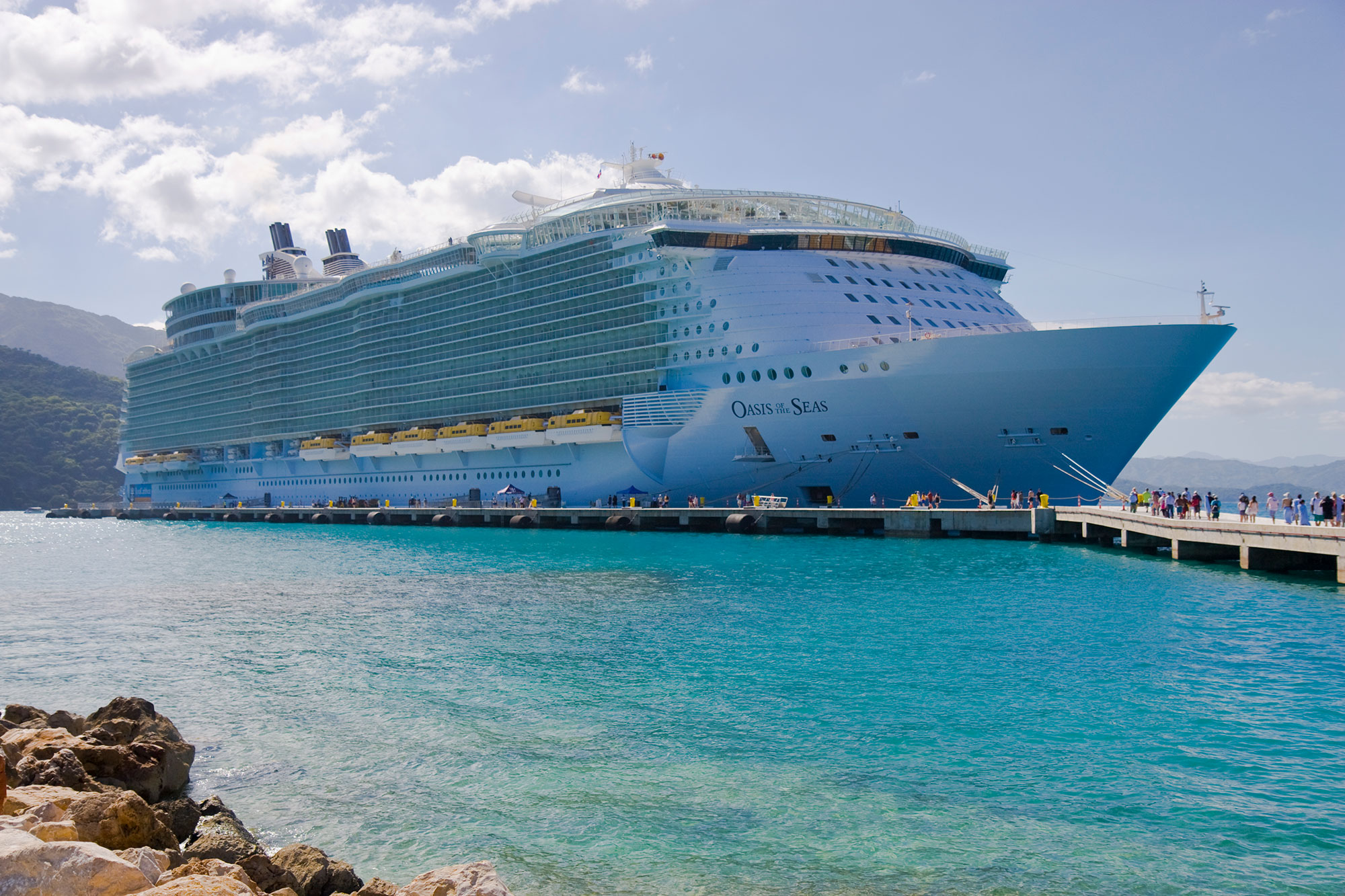 Nightmare at Sea: Norovirus Outbreak Sickens 277 Passengers and Crew on Royal Caribbean Cruise