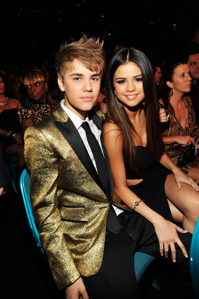 Singers Justin Bieber and Selena Gomez in 2011