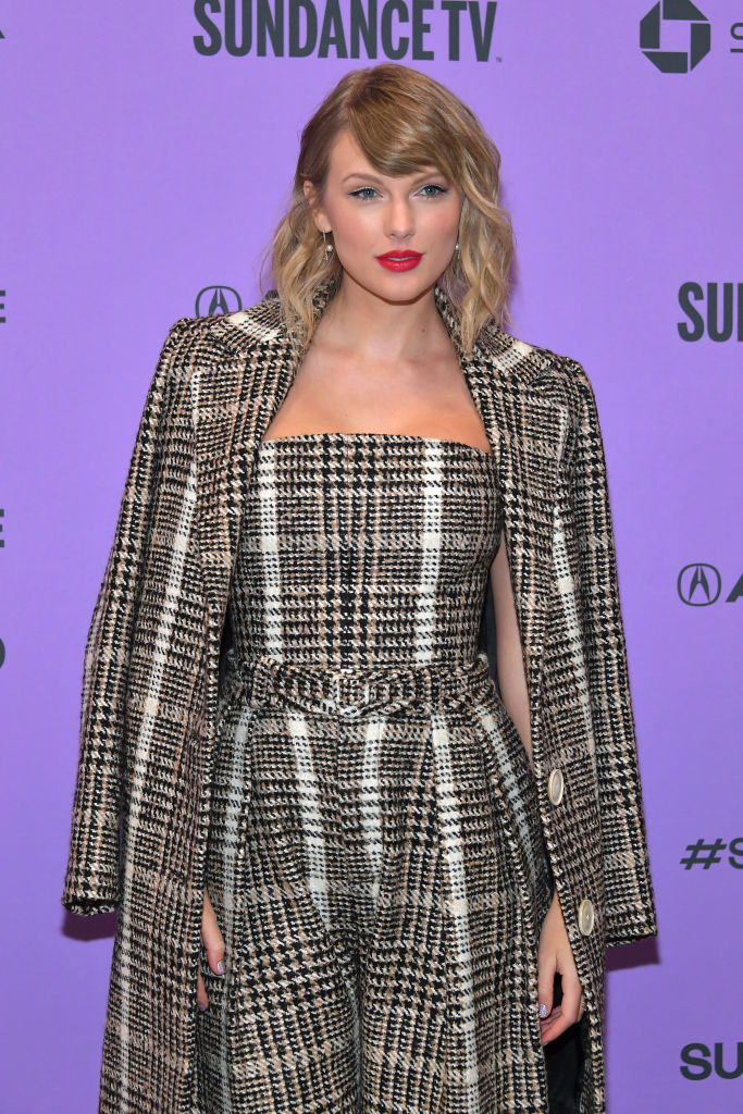 Taylor Swift Showed Off a New Shaggy Cropped Bob at Her Miss Americana Premiere